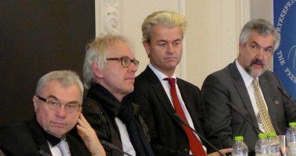 Redeker yderst til venstre sammen med Vilks, Wilders og Daniel Pipes. FOTO: Steen Raaschou