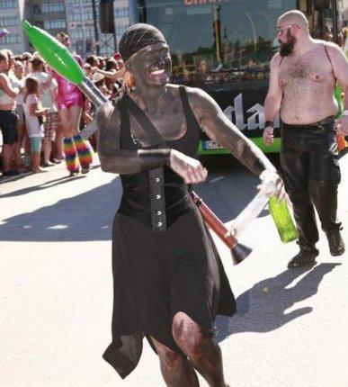 Den sortmalede svenske kvinde blev meldt til politiet, fordi kostumet blev opfattet som krænkende