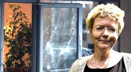 """""""Blandt kolibrier og kalasjnikover"""", hedder Helle Merete Brix's nye bog"""