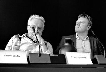 Artiklens forfatter til højre ved siden af Henryk Broder. FOTO: Arnar Steinthorsson
